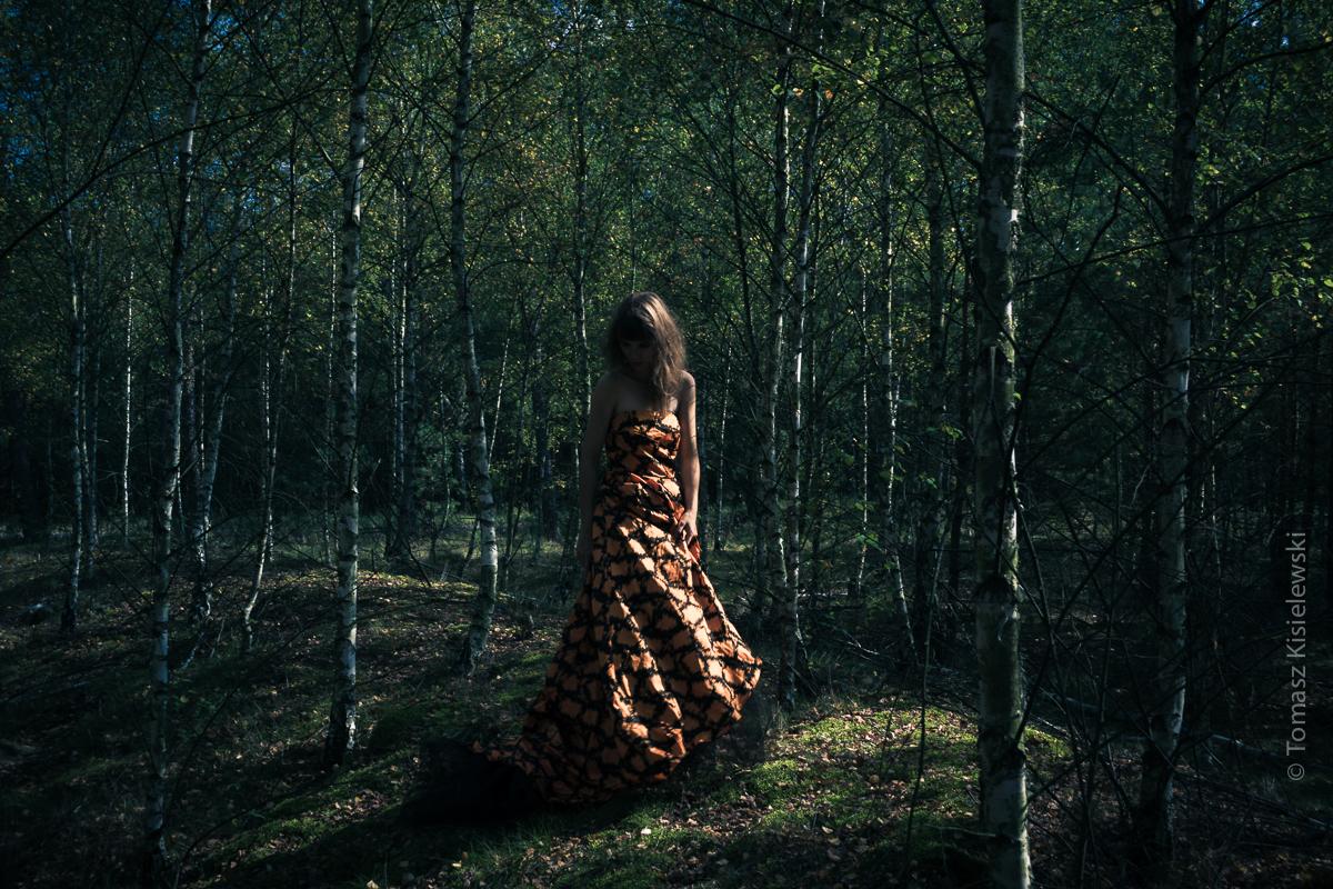 Jesień w kolorze feldgrau- plenerowa sesja zdjęciowa.