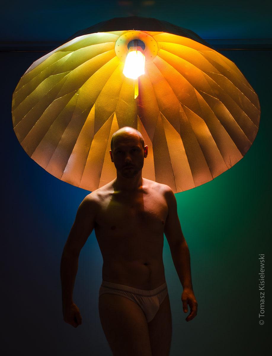 Nowy reflektor paraboliczny w moim studio.